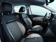 2011-Volkswagen-CrossPolo-9