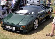 800px-Lambo.diabolo.green.arp