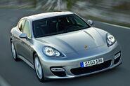2010-Porsche-Panamera-0