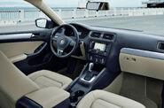 2011-Volkswagen-Jetta-5