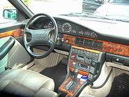220px-Audi V8 innen