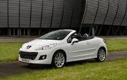 2010-Peugeot-207-CC-16
