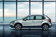 2011-Volkswagen-CrossPolo-6