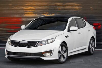 KIA-Optima-Hybrid-6SMALL.jpg