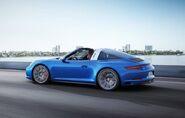 2016-Porsche-991-2-Targa-4s-side