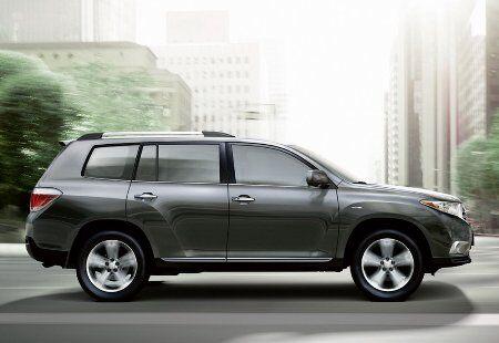 2011-Toyota-Highlander-Carscoop-14small.jpg