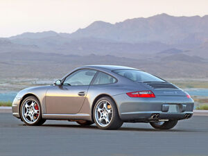 800px-2005-Porsche-911-Carrera-S.jpg