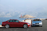 2011-BMW-3-Series-Coupe-Convertible-40
