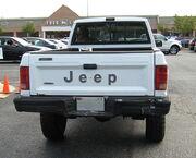Jeep Comanche Pioneer white MD t.jpg