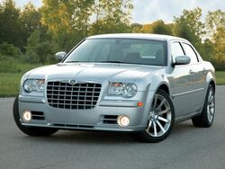 2005 Chrysler 300.jpg