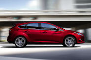 2011-Ford-Focus-30