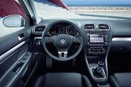 VW-Golf--Estate-4