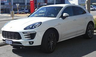 2014 Porsche Macan (MY15) S wagon (2015-08-24).JPG