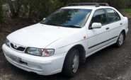 800px-1998-2000 Nissan Pulsar (N15 S2) LX sedan 02