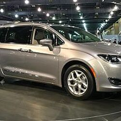 Chrysler Pacifica (RU)