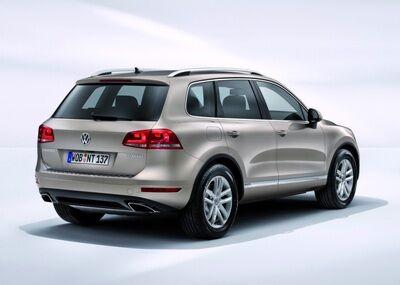 2011-Volkswagen-Touareg-14458small.jpg