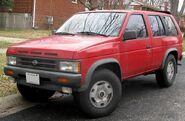 800px-90-92 Nissan Pathfinder