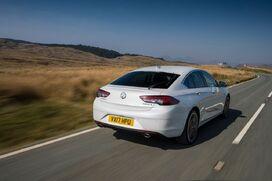 Vauxhall-insignia-grand-sport-306017.jpg