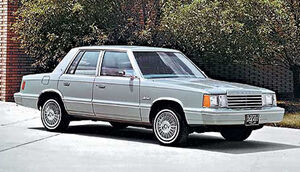 Chrysler-12-dodge-aries-1981.jpg