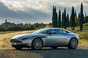 2017 Aston Martin DB11 Coupè.jpg