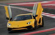 Aventador-SV-doors-open-large trans++TUEOn4-yHdlPS6WVNdiWllgQYydLoD49TznpdCvx63E