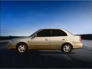 2 Hyundai Accent 2000