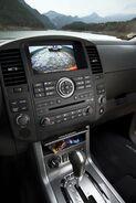 2011-Nissan-Pathfinder-Navara-25