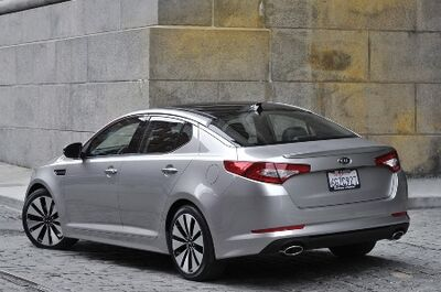 2011-Kia-Optima-4small.jpg