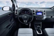 2010-VW-CrossGolf-4