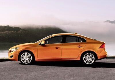 2011-Volvo-S60-Sedan-23small.jpg