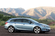 Opel-Vauxhall-Astra-Sports-Tourer-16