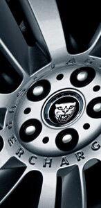 2010-Jaguar-XFR-18smalltemplate.jpg
