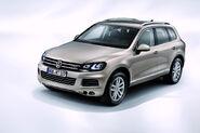 2011-Volkswagen-Touareg-14460