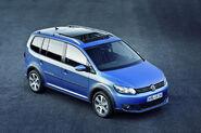2011-VW-CrossTouran-9