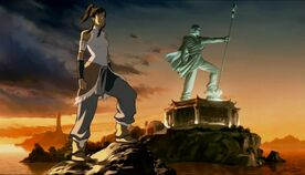 Korra immitiert Aangs Statue.jpeg
