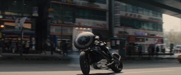 Avengers-Age-of-Ultron-Trailer-1-Captain-America-Motorcycle