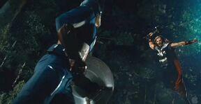 Captain-america-vs-thor-the-avengers-25997561-638-332