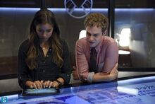 Skye-and-Fitz-skye-agents-of-shield-37913725-500-333.jpg