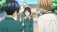 Iwase rozmawia z Takagim