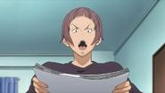Eiji czyta Detektywa Trapa