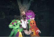 Barney, Baby Bop, Riff in Kenya