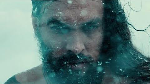 Liga de la Justicia - Seleccionando a Aquaman