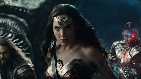 Liga de la Justicia - Seleccionando a Wonder Woman