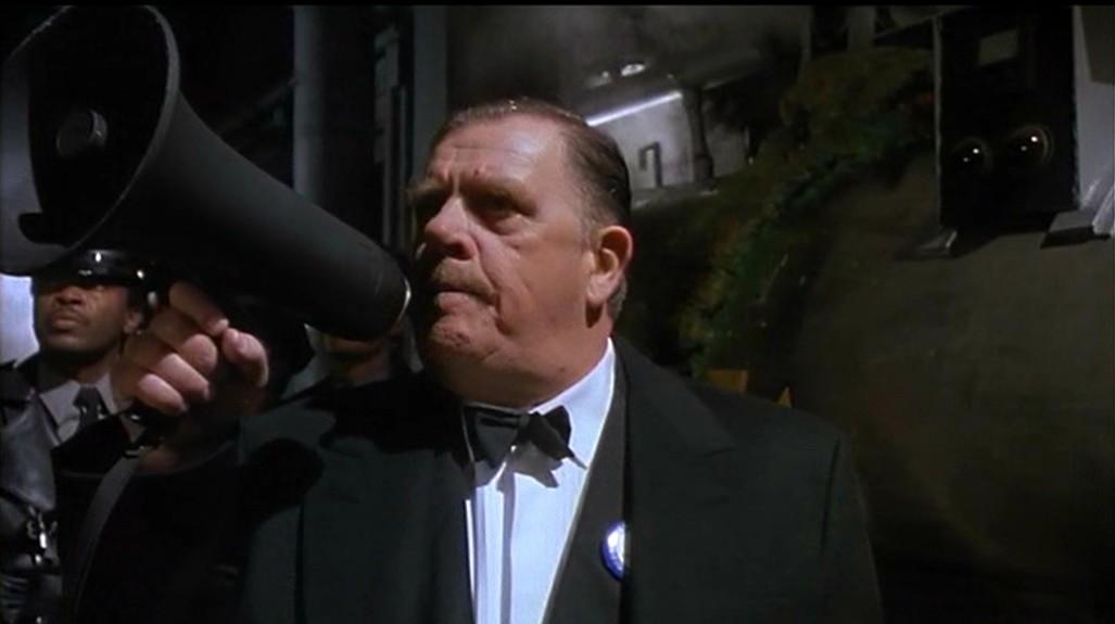 James Gordon (Pat Hingle)
