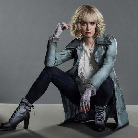 Alice (Rachel Skarsten)