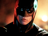 Bruce Wayne (Val Kilmer)