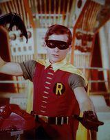RobinAlternateBatarangPose
