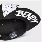 Bendy underbill of boys hat