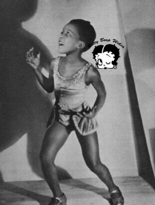 Black History Month Baby Esther Jones In Paris In 1929 Photoplay (1)