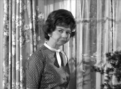 Gladys Kravitz Pearce.jpg